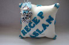 http://www.bebektasarimlari.com/upload_images/bebek-altin-yastigi--Tombik2013423051.jpg adresinden görsel.