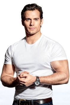 Henry Cavill could suffocate me with those arms. Henry Caville, Love Henry, Handsome Male Models, Handsome Actors, Handsome Guys, Outfits Casual, Mode Outfits, Henry Superman, Henry Williams