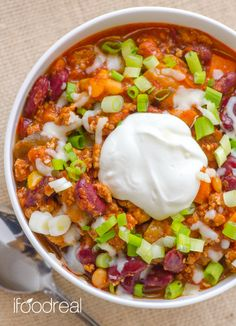 Biggest Loser Crock Pot Turkey Chili via ifoodreal #TheBiggestLoser #healthy #weightloss