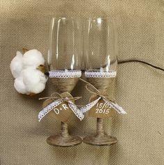 Taças rústicas e especiais para o primeiro brinde do casal!