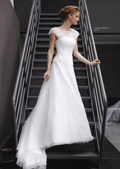 Créations Bochet, Joyce Bridal Dresses, Girls Dresses, Flower Girl Dresses, Formal Dresses, Wedding Attire, Wedding Gowns, Perfect Wedding, Dream Wedding, Weeding Dress