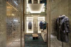 В Лондоне открылся флагманский бутик Fendi - http://trendion.com/2014/11/v-londone-otkrylsya-flagmanskij-butik-fendi/