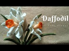 Learn to make a felt flowers in this felt flower tutorial video. Here, I will show you how to make daffodil felt flowers. These felt crafts can be u. Dyi Flowers, Faux Flowers, Handmade Flowers, Diy Wedding Flowers, Fabric Flowers, Paper Flowers, Felt Diy, Felt Crafts, Ribbon Flower Tutorial