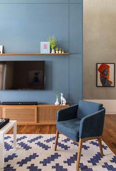 Apartamento L. - Two Design Home Living Room, Interior Design Living Room, Living Room Decor, Interior Decorating, Interior Livingroom, Colorful Furniture, Interior Architecture, Furniture Design, Decoration