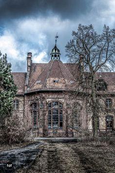 Beeltitz-Heilstätten-Urbex-Lost-Place-Klinik-SanatoriumF-174-Bearbeitet.jpg