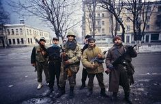 Chechen civilian rebels during the first war in Chechnya (1990's).