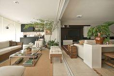 A varanda vira living. Veja: http://casadevalentina.com.br/projetos/detalhes/a-varanda-virou-living-543 #decor #decoracao #interior #design #casa #home #house #idea #ideia #detalhes #details #cozy #aconchego #neutral #neutro #casadevalentina #livingroom #saladeestar