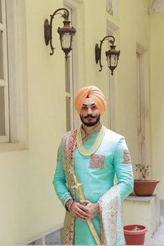 Wedding Coat, Wedding Dress Men, Sikh Wedding, Wedding Men, Punjabi Wedding, Wedding Outfits, Indian Wedding Photos, Indian Bridal Outfits, Bohemian Groom