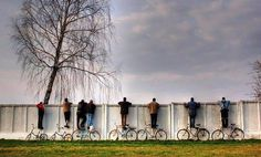 Blog do Assis: O Que Há Além do Muro?