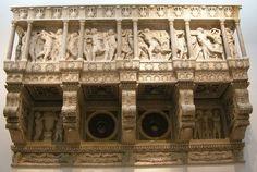 RT @D_ArtNinja: #HappyNewYear #Donatello cantoria del Duomo di Firenze @AntonellaCanto3 #artninja #museoideale #enjoythecommunity https://t.co/XLEhKaVv41