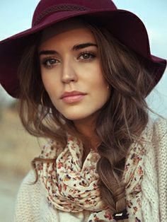 The Boho fashion is stylish and timeless at every season. Women love boho fashion which include boho-chic hairstyles, boho makeup, boho outfits and some trendy boho accessories. In this post, we are so excited. My Hairstyle, Braided Hairstyles, Romantic Hairstyles, Everyday Hairstyles, Trendy Hairstyles, Hairstyles With Hats, Hairstyle Ideas, Female Hairstyles, Amazing Hairstyles
