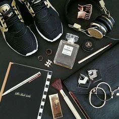 This #Friday #Flatlay favorite looking #sharp in #black & #gold @sydney_styleblogger #flatlayapp #flatlays #style #blogger #fashion #stylist #sneakers #kicks #beauty #makeup #travel #fashionista #essentials #Summer #australia #camera #photography #photo #photogrid #flatlay #flatlayapp