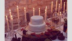 Bolos de casamento inspirados no outono. #casamento #bolodosnoivos #branco #folhas #velas #outono #inspiração
