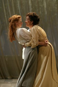 Jessica Chastain, Michelle Williams, Chris Messina, Linda Emond and company in Williamstown Theater Festival's production of Chekhov's THE CHERRY ORCHARD (2004) directed by Michael Grief.