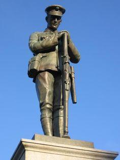 Newmains War Memorial, North Lanarkshire
