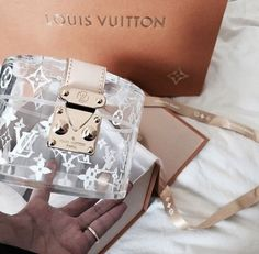 2019 New Louis Vuitton Handbags Collection for Women Fashion Bags have it Luxury Purses, Luxury Bags, Luxury Handbags, Vuitton Bag, Louis Vuitton Handbags, Purses And Handbags, Louis Vuitton Accessories, Tote Handbags, Mode Poster