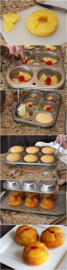 CUPCAKES DE PIÑA AL REVES Ingredientes: 1 puede (20 oz) de piña en rodajas, escurrida, jugo reservados 1 molde de Betty Crocker Supermoist mezcla para pastel amarillo 2.1 taza de aceite vegetal 3 huevos 03.01 taza de mantequilla derretida 2.3 taza de azúcar morena empaquetada 12 cerezas al marrasquino, cortados por la mitad