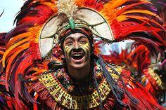Dinagyang Festival: Filipinas   La religiosa conmemoración se lleva a cabo durante los primeros días de enero y es para recordar la llegada de los Panay, además de festejar al Santo Niño.