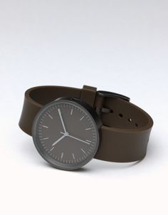 Shop the complete collection of UNIFORM WARES men's watches and timepieces. Stainless steel, rose gold, PVD black, DLC grey Uniform Wares -Swiss Made Uniform Wares Watch, Dezeen Watch Store, Brown And Grey, Dark Brown, Nato Strap, Rolex Submariner, British Style, Men's Collection, Fashion Watches