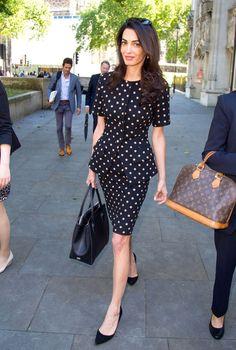 Style Fashion Tips Polka Dots - Amal Clooney.Style Fashion Tips Polka Dots - Amal Clooney Office Fashion, Work Fashion, Star Fashion, Fashion News, Fashion Looks, Womens Fashion, Fashion Hair, Fashion Games, Dress Fashion