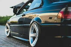 BMW E46 3 series black slammed