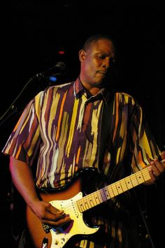 The Stoney B Blues Band – This is an outstanding Blues Show performing Chicago and Southern Style Blues played by Masters of the Blues. Stoney B's soulful licks and brilliant guitar riffs and his dynamic vocals will transfix you as he delivers heart and soul felt Blues.