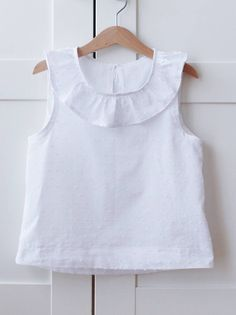 Order contact my WhatsApp number 7874133176 Girls White Dress, Girls Dresses, Blouse Patterns, Blouse Designs, Toddler Dress, Baby Dress, Full Skirts, Cropped Top, Belly Button