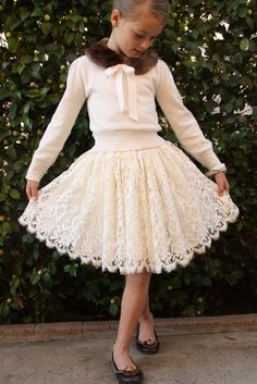 Lacy skirt and a pirouette. Tutu Dresses, Flower Girl Dresses, Sewing Tutorials, Sewing Ideas, Thrift Store Refashion, Children Outfits, Kids Winter Fashion, Ballet, Princess Style