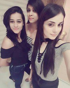 Cooking Whole Chicken Info: 9817846221 Indian Teen, Indian Girls, Stylish Girls Photos, Girl Photos, Cute Girl Pic, Cute Girls, Bollywood Actress Hot Photos, Smart Girls, Beautiful Girl Indian