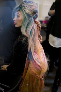 Wella Trend Vision 2013 inspiração para rapunzel modernizada com cabelo candy color