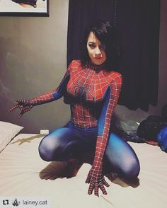Hot woman spiderman cosplay