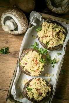 Πρωτότυπες και λαχταριστές συνταγές με ρύζι, κινόα και πλιγούρι! Θρεπτικά πιάτα με λίγες θερμίδες που αγαπούν τη διατροφή σου και τη σιλουέτα σου. Portobello, Vegetable Recipes, Mozzarella, Avocado Toast, Potato Salad, Spaghetti, Stuffed Mushrooms, Healthy Recipes, Healthy Food