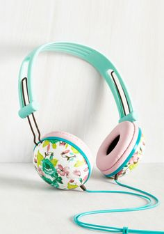 Gift Guide for the Style Savvy Grad: Floral Headphones