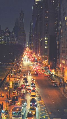 Busy New York Street Night Traffic #iPhone #6 #plus #wallpaper