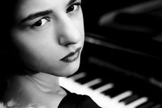 Khatia Buniatishvili (Piano) - Short Biography [More Photos] Family Photography, Portrait Photography, Classic Portraits, Recital, Classical Music, Queen Elizabeth, Cool Cats, More Photos, Biography