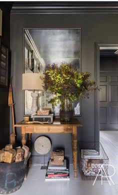 Tour A Modern Farmhouse In Memphis - Black And White Room Decor When it came time for interior designer Sean Anderson to tackle his own home, he took his signature color palette head on. Decoration Design, Decor Interior Design, Interior Decorating, Interior Office, Luxury Interior, Interior Paint, Room Interior, Modern Interior, Elle Decor