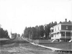 Coins des rues Canada et Rice. On peut voir l'ancienne église Immaculée Conception à l'arrière plan.