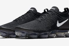 Release Date: Nike Air VaporMax 2.0 Black Dark Grey           The Nike Air VaporMax 2.0 is the latest addition to the VaporMax family for spring, and it's dropping in a classic black/dark grey colorw... https://drwong.live/sneakers/nike-air-vapormax-2-0-black-dark-grey-release-date/ New York Fashion, Milan Fashion Weeks, Runway Fashion, Fashion Tips, Fashion Models, Nike Air Vapormax, New Nike Air, Dress With Sneakers, Running Shoes Nike