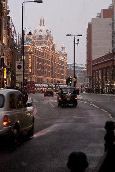 fabulousplaces: Harrods, Snowday London by drewleavy on Flickr.