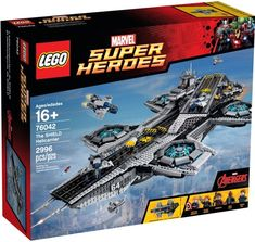 Buy LEGO Super Heroes - The SHIELD Helicarrier at Mighty Ape NZ. Take on the challenge of building this awesome LEGO® model of The SHIELD Helicarrier. Construct the flying aircraft carrier with 2 runways, microscale. The Shield, Marvel Avengers, Avengers Shield, Marvel Heroes, Avengers Superheroes, Marvel Fan, Hawkeye, Lego Spiderman, Lego Duplo