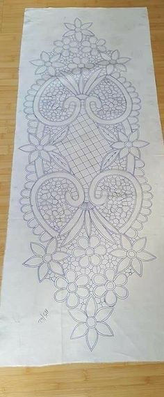 Cutwork Embroidery, Flower Embroidery Designs, Embroidery Patterns, Bobbin Lace Patterns, Crochet Patterns, Family Drawing, Romanian Lace, Point Lace, Lace Making