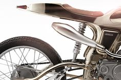 The Eden Is A Futuristic Honda Supersport Plated In Champagne Gold Futuristic Motorcycle, Retro Futuristic, Motorbike Design, Cars Characters, Supersport, Honda Motorcycles, Sci Fi, Pure Products, Steel