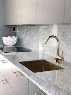 Modern Kitchen Interiors, Luxury Kitchen Design, Kitchen Room Design, Home Room Design, Kitchen Cabinet Design, Luxury Kitchens, Bathroom Interior Design, Home Decor Kitchen, Home Kitchens