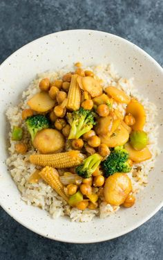 Vegan Chickpea Stirfry Bowl | The Green Loot #vegan #healthy #weightloss
