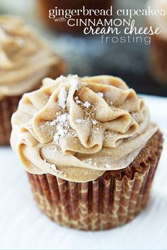 Gingerbread Cupcakes with Cinnamon Cream Cheese Frosting - I'll take a White Chocolate Snowflake with that ;) Gingerbread Cupcakes with Cinnamon Cream Cheese Frosting - I'll take a White Chocolate Snowflake with that ; Food Cakes, Cupcake Cakes, Cupcake Ideas, Rose Cupcake, Good Cupcake Recipes, Cupcake Emoji, Fruit Cakes, Flower Cupcakes, Best Christmas Desserts