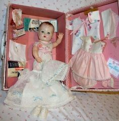 Molded Hair Tiny Tears Doll in Case with Layette - Lovely!: Molded Hair Tiny Tears Doll in Case with Layette - Lovely! Old Dolls, Antique Dolls, Vintage Dolls, Childhood Toys, Childhood Memories, Doll Toys, Baby Dolls, Tiny Tears Doll, Creepy Dolls