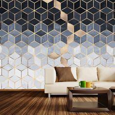 déco de salon en couleurs naturelles et neutres avec revêtement mural en papier peint moderne gris et or à design géométrique