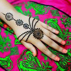 8 Trending Mehendi Designs For Your Hands Mehndi Tattoo, Henna Tattoo Designs, Mehandi Designs, Henna Mehndi, Hand Henna, Mehendi, Heena Design, Henna Tattoos, Finger Tattoos