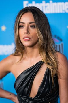 Pictures and GIFs of famous actresses, singers, models, athletes and other beautiful celebs. Beautiful Female Celebrities, Girl Celebrities, Beautiful Women, Celebs, Beautiful People, Chloe Benett, Photoshoot Themes, Hot Brunette, Instagram Models