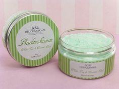 Schaumbad / Badeschaum White Tea & Coconut - Pflegebad mit viel Badeschaum  aus der Delicious Soaps Seifenmanufaktur